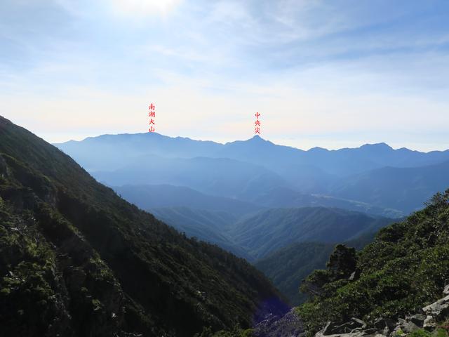IMG_2020.JPG - 雪山主峰下翠池、北稜角(第二天)20190917