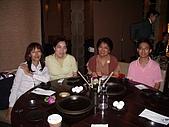98.7.17出納科於台北101四樓三幡家聚餐 :這一桌非常專業,good.JPG