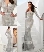 stars:robe-de-soiree-longue-sequins-argente-col-v-avec-manches.jpg