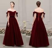 stars:robe-de-soiree-longue-retro-bordeaux-encolure-bardot.jpg
