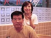2100-88節花蓮二日遊:三姐夫及女兒(烏石鼻海鮮)-.JPG