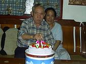 96年的最後二個蛋糕:爺爺76歲囉9.JPG