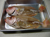 南洋魚類料理:酥炸大眼鯛佐泰味醬汁與酸蝦湯 (5)