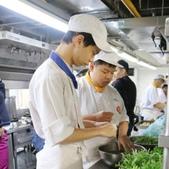 2017-01-06餐飲管理科畢業成果展:相簿封面