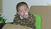 Henry嘴饞吃相:DSC02833.JPG
