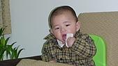 Henry嘴饞吃相:DSC02834.JPG