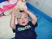 HENRY十個月最新生活照:牛奶喝完了.JPG