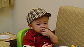 HENRY十個月最新生活照:長牙不舒服.JPG