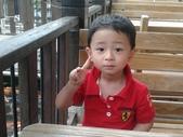 2011年Henry生活照(三歲):2011-08-28 10.29.53.jpg