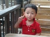 2011年Henry生活照(三歲):2011-08-28 10.29.56.jpg