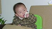 Henry嘴饞吃相:DSC02832.JPG