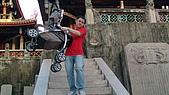 台南赤崁樓:辛苦的爸爸.JPG