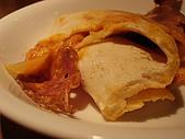 淡水榕堤cafe' 和卡布里喬莎日式義大利餐廳:卡布里喬莎-卡洛佐尼的枕頭披薩
