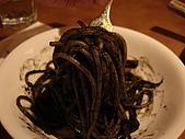 淡水榕堤cafe' 和卡布里喬莎日式義大利餐廳:卡布里喬莎-香蒜唐辛子墨魚醬義麵