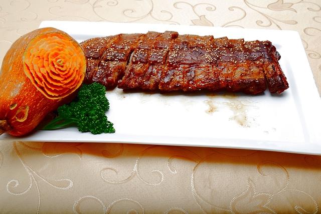 炭烤豬肋排.JPG - 201504月菜單