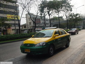 我的相簿:bkk-taxi-yellowgreen.jpg