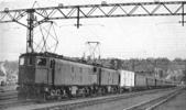 我的相簿:Electrically-hauled_express_train_in_Natal,_South_Africa_(CJ_All