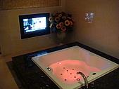 970831橫渡日月潭成功:旅館裡的大浴缸
