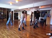 2012.11-12月份Sportking 教室每週熱門課程:這是一個定點POSE 吧~~~