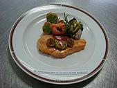 西式料理教學菜:1--26  PANFRIED SALMON WITH ANCHOVY BUTTER 鯷魚醬煎鮭魚.JPG