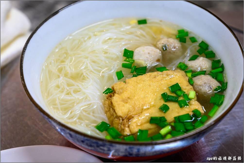 呂家魚丸米粉湯 魚丸冬粉+豆腐($50)