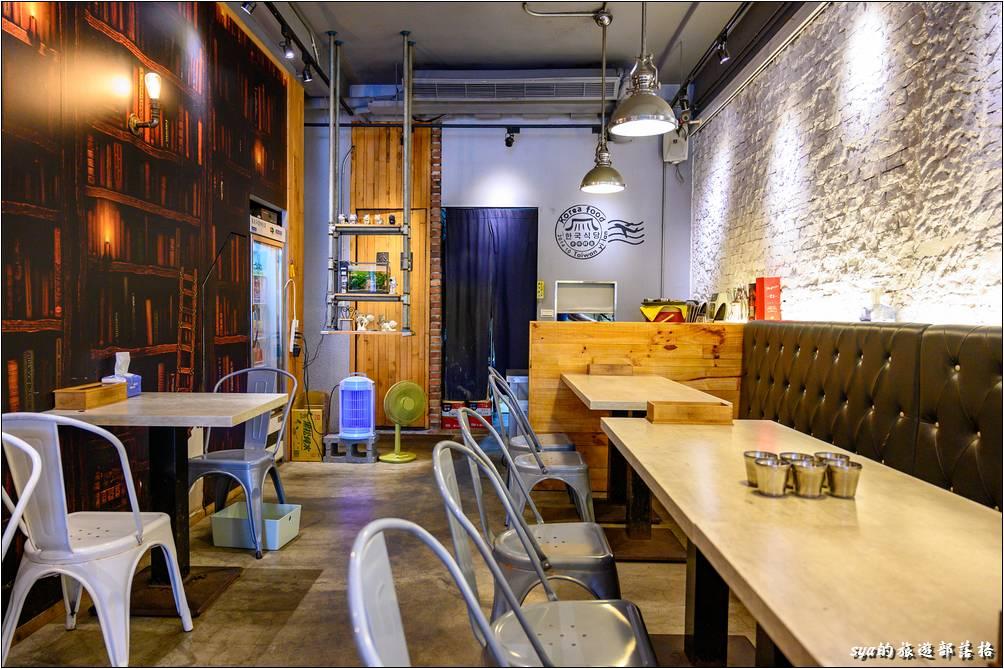 韓風堂手作韓食餐廳店內十分的乾淨整齊,且不只環境,連餐具都是一樣的乾淨、讓人放心