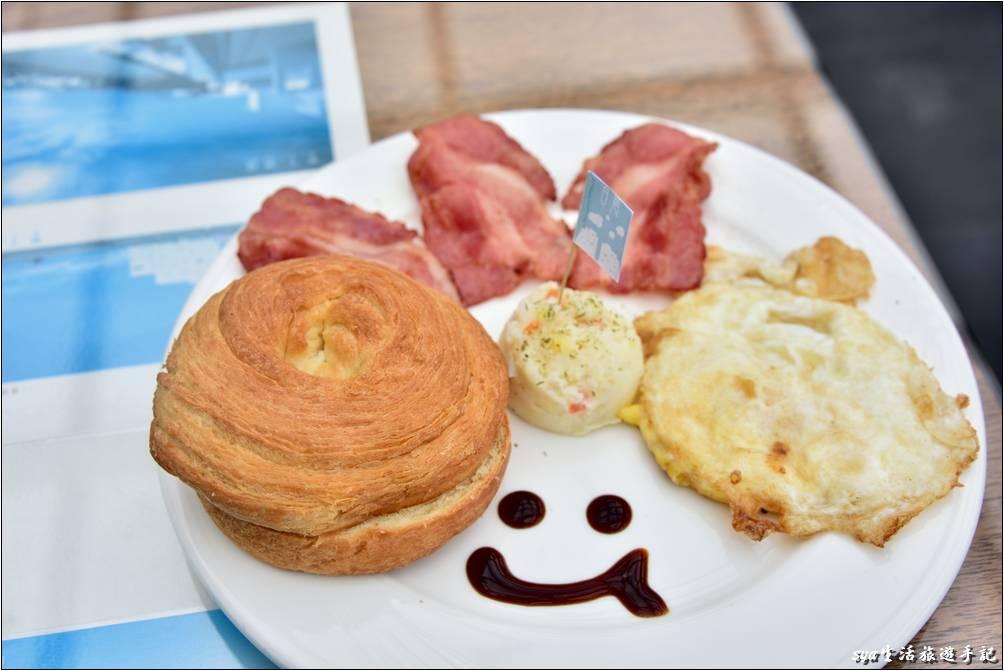 海境的早餐是以套餐的方式上餐,餐點盤面十分的精緻。如果你的食量較大,也可以再跟民宿反應。