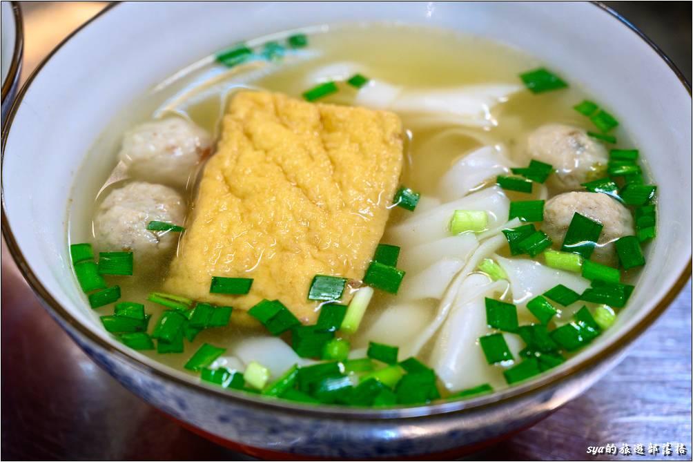 呂家魚丸米粉湯 魚丸粿仔+豆腐($50)