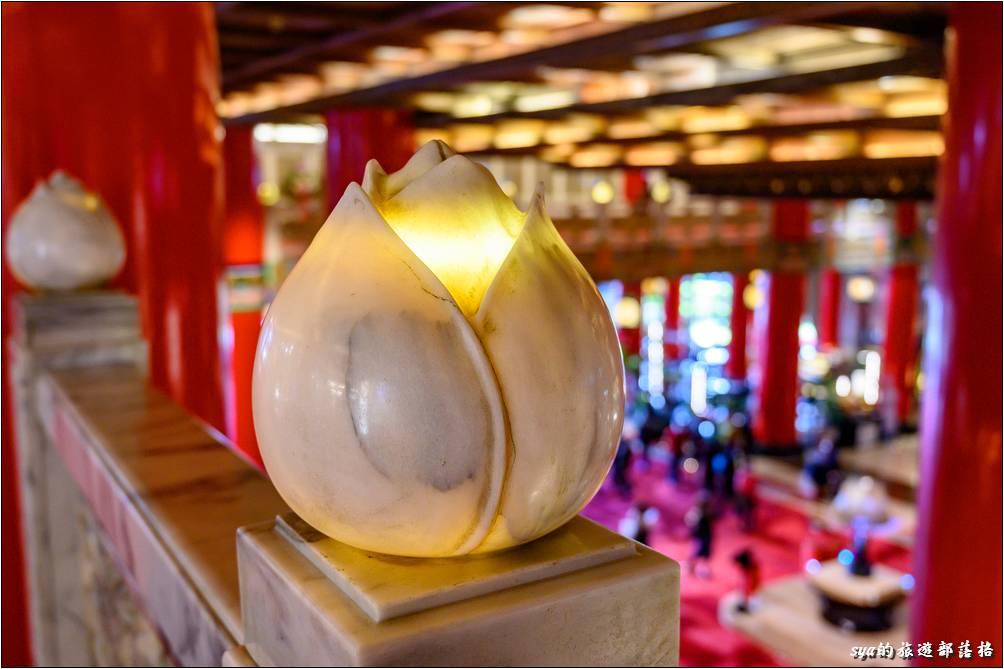台北圓山大飯店 手工雕刻的大理石燈具「福燈」
