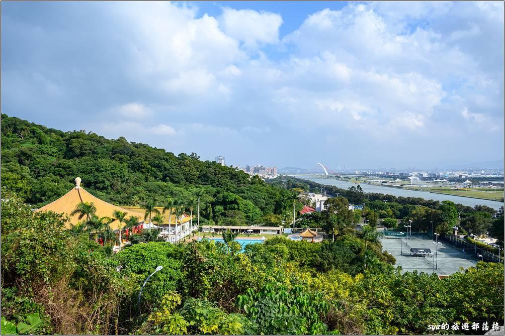 台北圓山大飯店 遠眺基隆河景