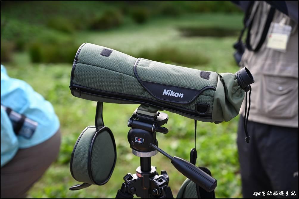 晨間的賞鳥活動,農場還會提供高倍數的望遠鏡,讓大家輕鬆的就近觀察附近的鳥類生態。