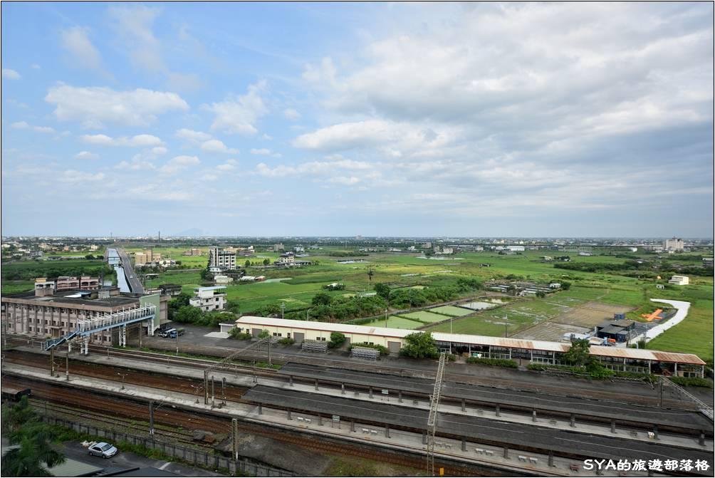 客房位於川湯春天旗艦館的11樓,面向車站與平原,視野十分的寬闊。