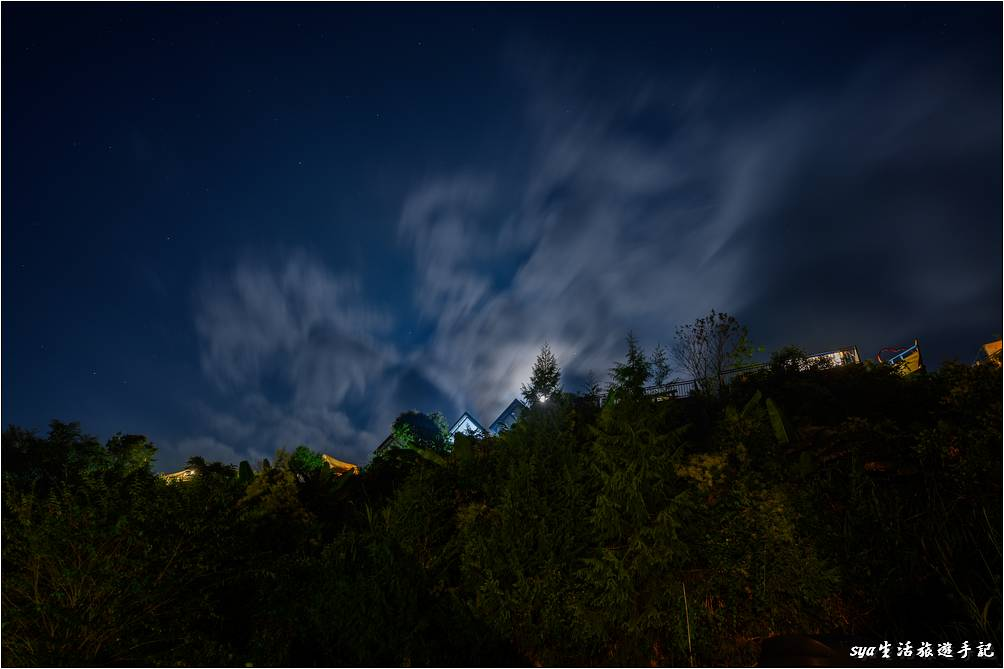 天闊營地的夜色