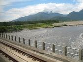 2010初秋花東之旅(9/24~9/26):自強號1051車次(往池上)沿途河川風光