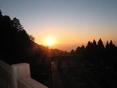 2007阿里山墾丁之旅(1/29~2/1):阿里山夕陽(臨時車站附近所見)