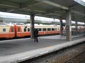 2011六天五夜環島旅行(1/23~1/28):在自強號車廂內看台東車站月台