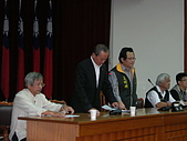 20091106工會法三度動員至立法院群賢樓:DSCN3725.JPG