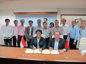 20141030新加坡化學工會聯合會來台訪問:圖08新加坡工會全體與莊理事長合影.JPG