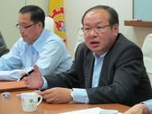 20141030新加坡化學工會聯合會來台訪問:圖02莊理事長報告國內勞動狀況.JPG