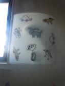 2012.07.20 宜蘭彩繪森林民宿:樓梯間的燈罩