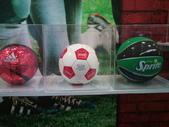 100.09.13 可口可樂125週年展@新光中山店13F:足球和籃球