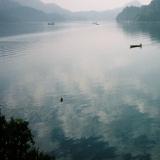 日月潭-晚上:水墨畫般的潭景