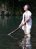 金黛與芮斯的烏來錄音之旅:芮斯在湖中