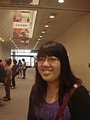 2010年10月 龜速行進的東京:日本日本到了~正在等航廈的接駁電車