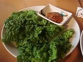 2009出發去東京DAY5:這是用來包肉的還有附醬料