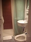 2010年10月 龜速行進的東京:廁所超級小,而且沒有浴缸