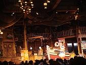 2009出發去東京DAY3:要進到餐廳才看的到的表演