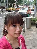 2009出發去東京DAY5:下坡道也是一整條的名牌店
