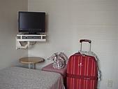 2010大阪,ただいま~:行李箱都要站著放才不會擋到走道