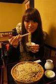 【2013東京賞花】 Day2:樸素的蕎麥麵就是剛開始吃很好吃 吃久很乏味 應該來點小菜的...